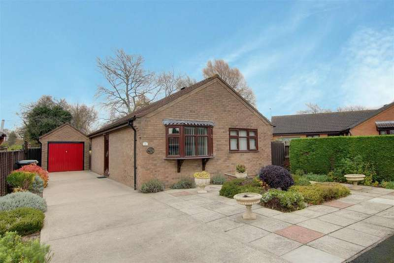 2 Bedrooms Detached Bungalow for sale in Mill Close, Alford