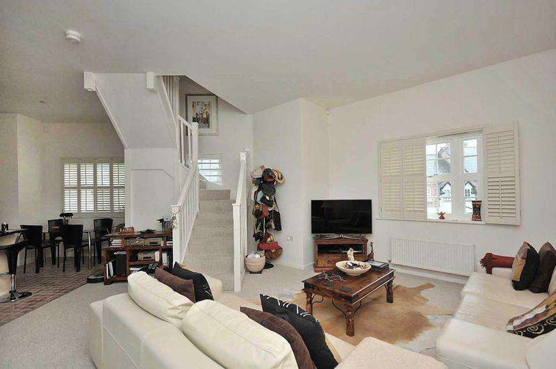 2 Bedrooms Apartment Flat for sale in Appleby Crescent, Mobberley