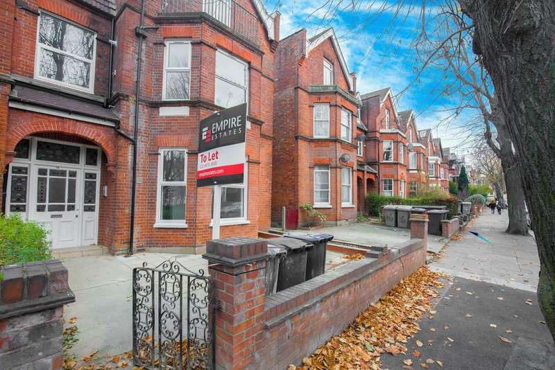 3 Bedrooms Flat for sale in Park Avenue, Willesden, London