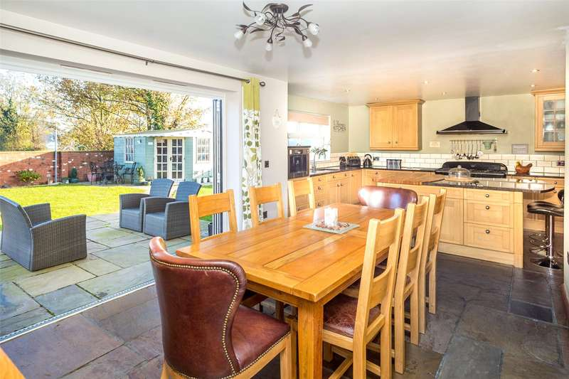 5 Bedrooms Detached House for sale in Sand Lane, Osgodby, Selby, YO8
