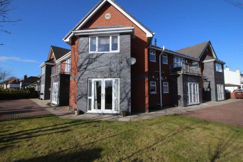 2 Bedrooms Flat for rent in Alderson Crescent, Formby, Liverpool, L37