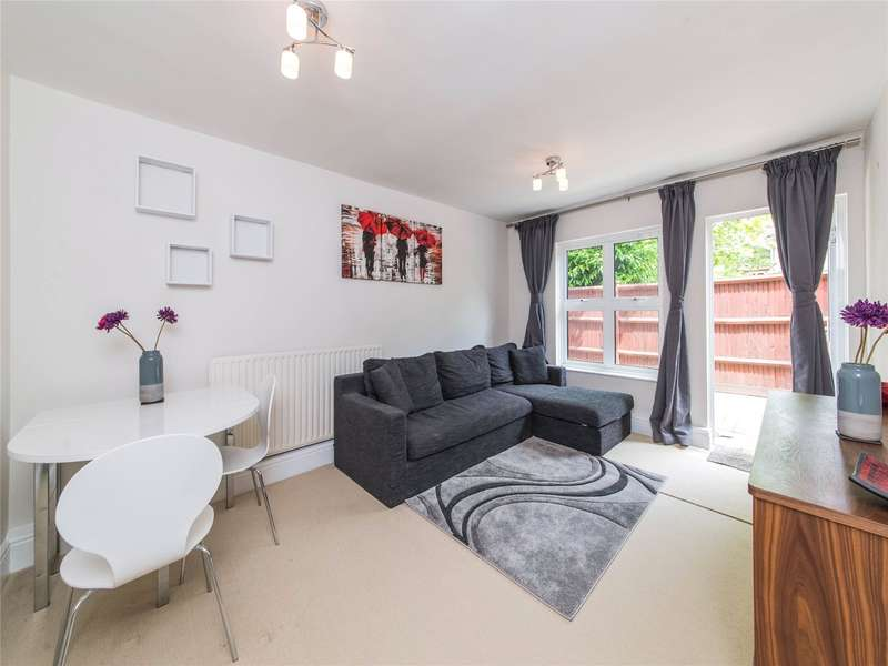 2 Bedrooms Flat for sale in Ivybridge Close, Twickenham, Middlesex, TW1