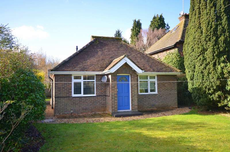 2 Bedrooms Detached Bungalow for sale in Shamley Green