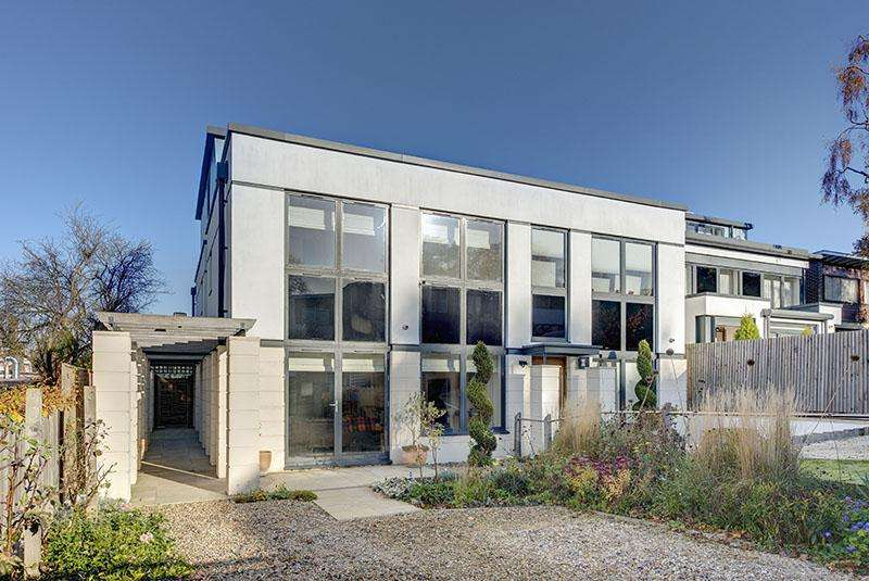 5 Bedrooms Semi Detached House for sale in GOLDERS PARK CLOSE, GOLDERS HILL PARK, NW11