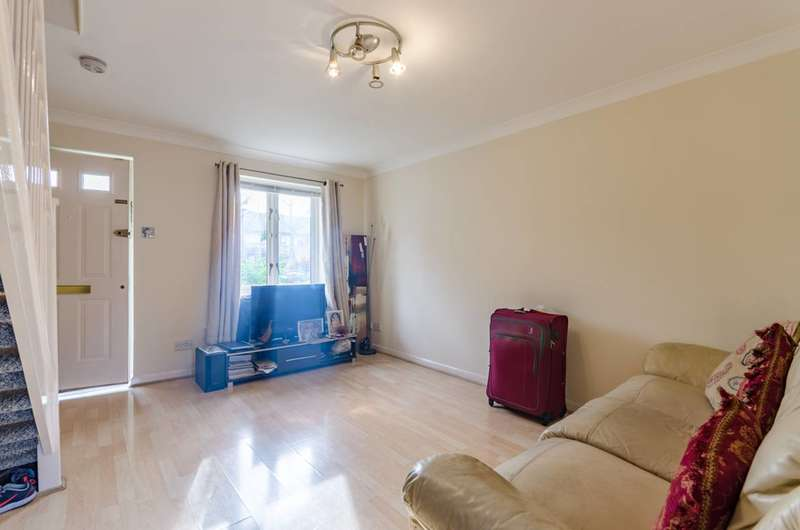 2 Bedrooms House for rent in Britannia Gate, Royal Docks, E16