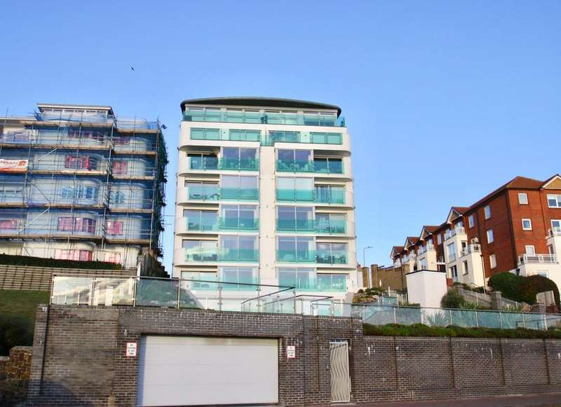 2 Bedrooms Flat for sale in Holland Road, Westcliff-On-Sea