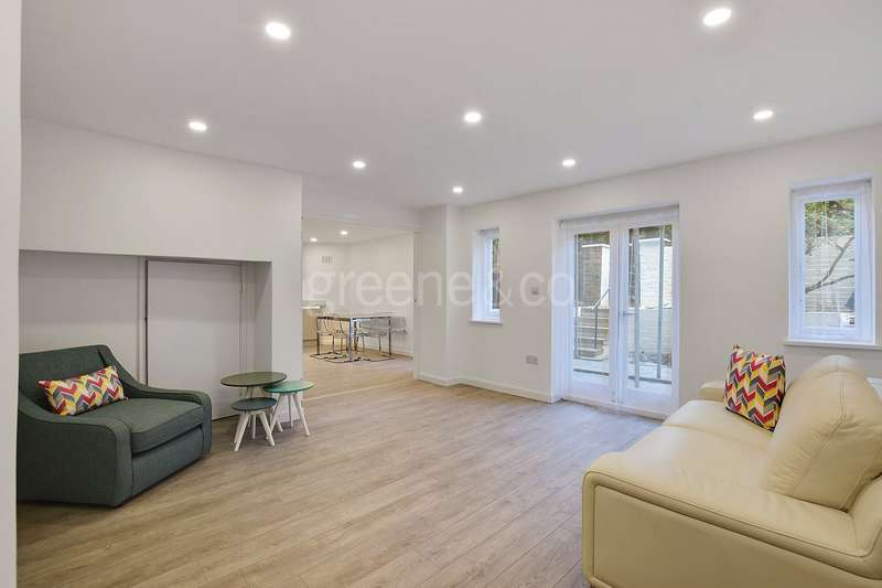 2 Bedrooms Flat for sale in Fairhazel Gardens, South Hampstead, London, NW6