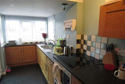 4 Bedrooms Terraced House for rent in Beaconsfield Road, Chatham
