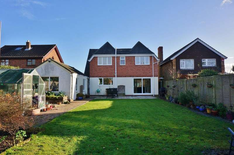 4 Bedrooms Detached House for sale in SOUTH LODGE, CATISFIELD