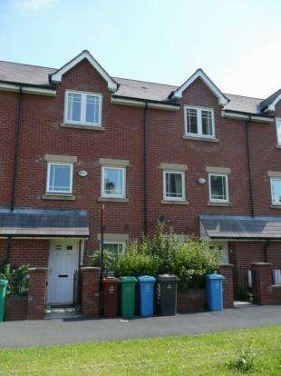 4 Bedrooms Semi Detached House for rent in Bold Street Hulme, Manchester, M15 5qh Manchester