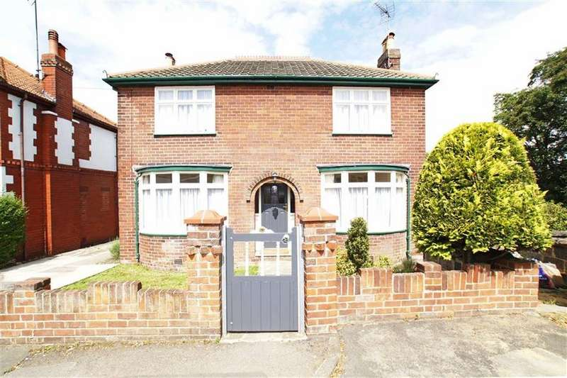 3 Bedrooms Detached House for rent in Milton Road, Harrogate, North Yorkshire