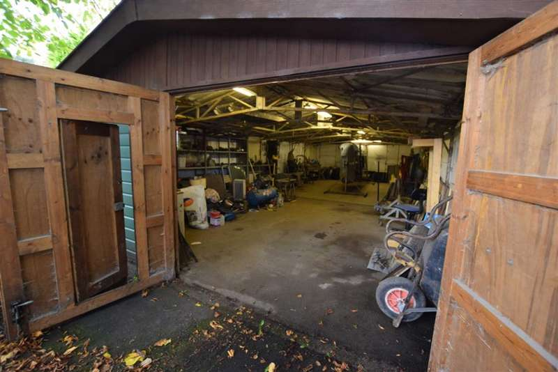 Garage Commercial for sale in Abbey Road, Barrow In Furness, Cumbria