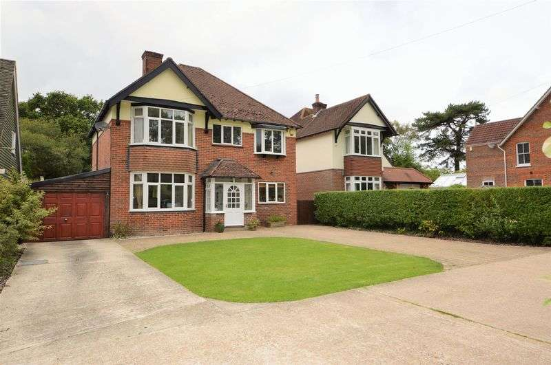 4 Bedrooms Property for sale in Portsmouth Road, Horndean