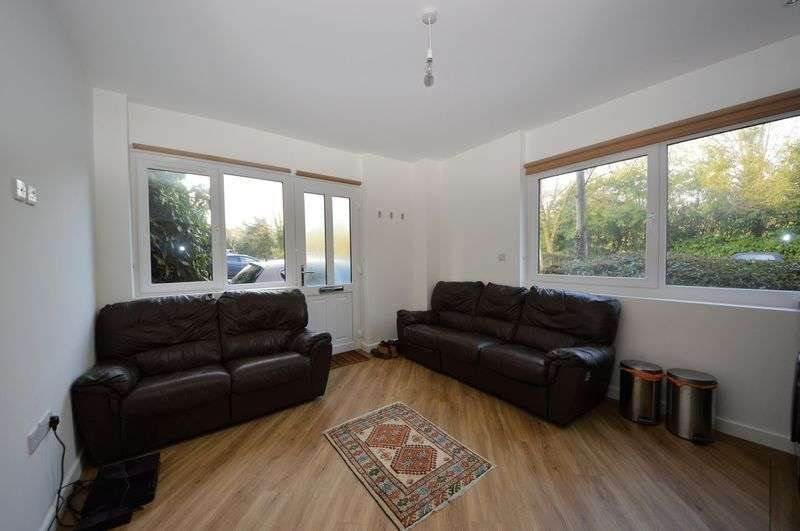 2 Bedrooms Property for sale in Wickham Road, Fareham