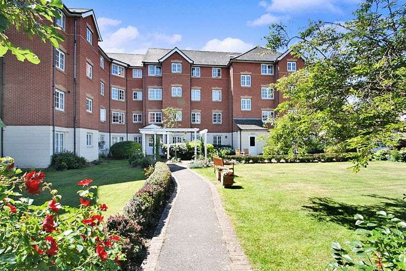 1 Bedroom Property for sale in Holmbush Court, Southsea, PO5 3HZ