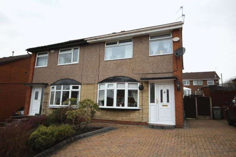 3 Bedrooms Property for sale in Earnshaw Avenue Healey, Rochdale