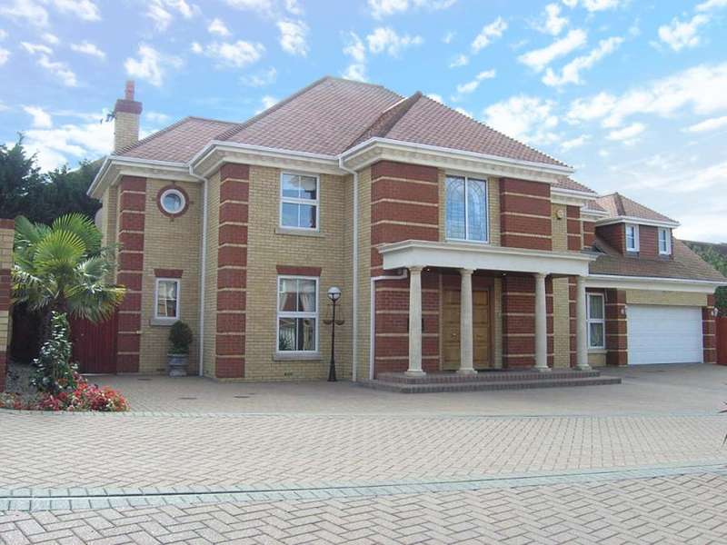 5 Bedrooms Detached House for sale in The Maples, Goffs Oak, Hertfordshire