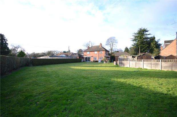 3 Bedrooms Detached House for sale in Tanners Lane, Chalkhouse Green, Reading
