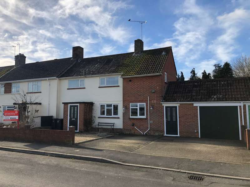 3 Bedrooms Semi Detached House for sale in Sturminster Marshall