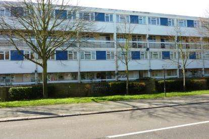 4 Bedrooms Flat for sale in Woodford, Green, Essex