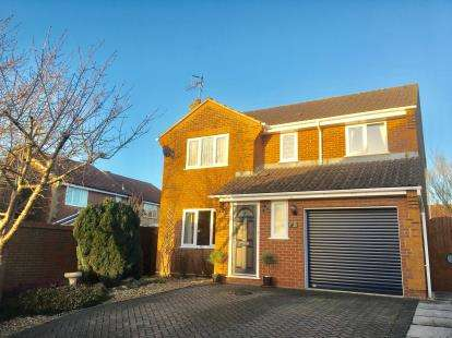 4 Bedrooms Detached House for sale in Woodfalls, Salisbury, Wiltshire