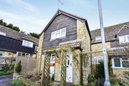 3 Bedrooms Terraced House for sale in Milborne Port, Sherborne, Dorset