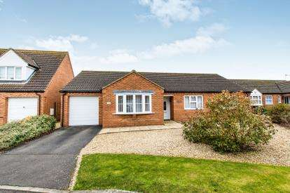 3 Bedrooms Bungalow for sale in Ormsby House Drive, Mareham-Le-Fen, Lincolnshire