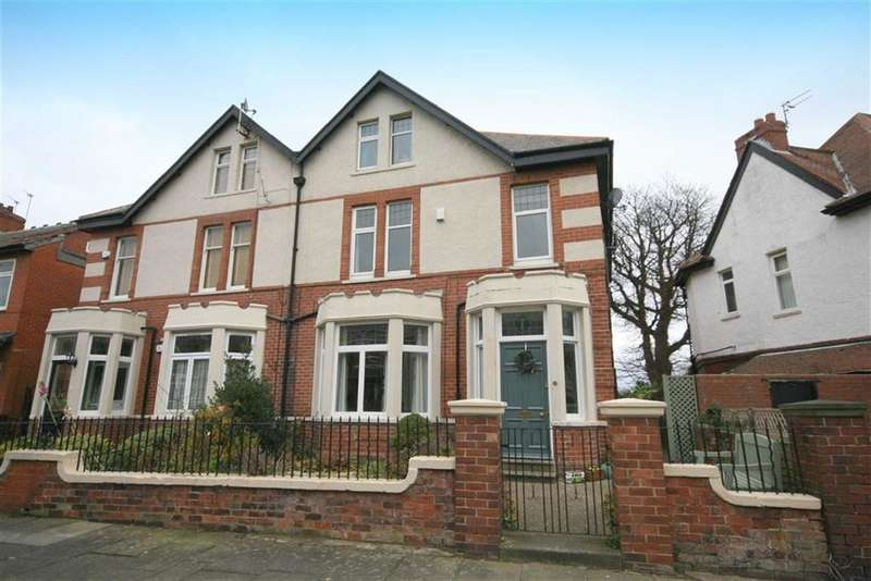 5 Bedrooms Semi Detached House for sale in Cleveland Crescent, North Shields, Tyne & Wear, NE29