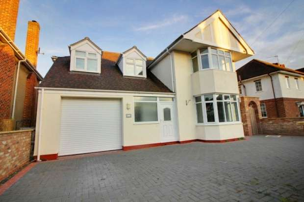 4 Bedrooms Detached House for sale in St Edmunds Road, Sleaford, Lincolnshire, NG34 7LS