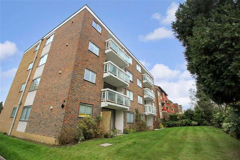 3 Bedrooms Flat for sale in The Tudors, 10 Court Downs Road, Beckenham, BR3