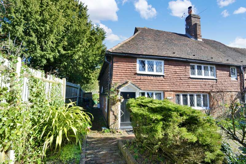 3 Bedrooms House for sale in School Hill, Merstham, RH1 3EG