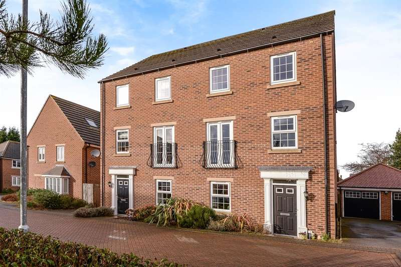 4 Bedrooms Semi Detached House for sale in Borrough View, Roundhay, Leeds, LS8 1LS