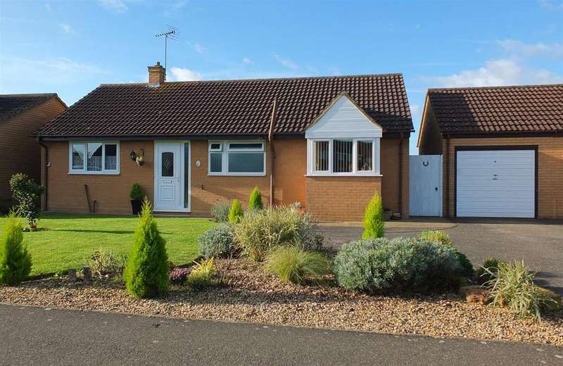 3 Bedrooms Detached Bungalow for sale in Falklands Road, Sutton Bridge