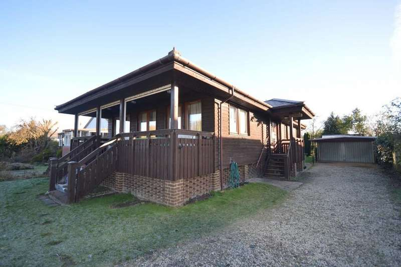 3 Bedrooms Detached House for sale in Towpath, Shepperton