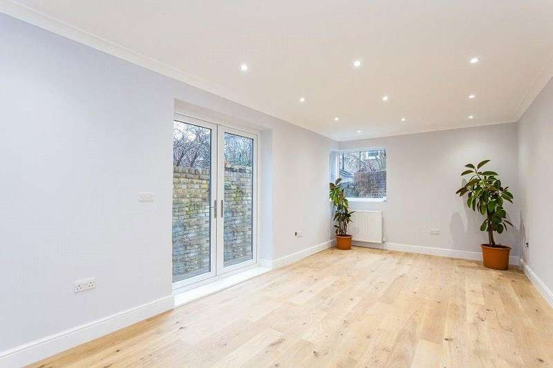 2 Bedrooms Flat for sale in York Way, Holloway, London, N7