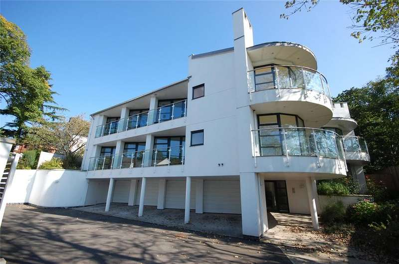2 Bedrooms Apartment Flat for sale in The Strafford, Bronwydd Avenue, Cyncoed, CF23