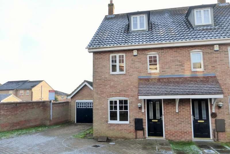 3 Bedrooms Semi Detached House for sale in Norwich