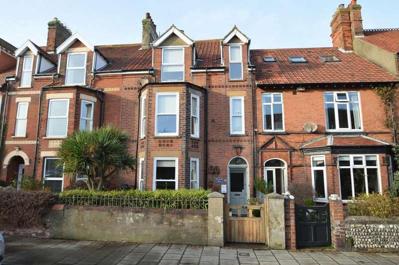5 Bedrooms Town House for sale in Sheringham