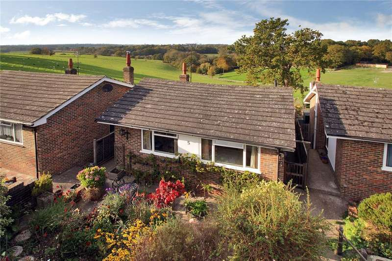 2 Bedrooms Detached Bungalow for sale in Cheeleys, Horsted Keynes, Haywards Heath, West Sussex, RH17