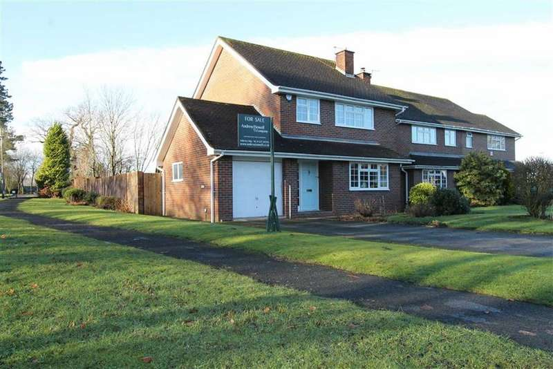 3 Bedrooms Detached House for sale in Millbank Close, Chelford