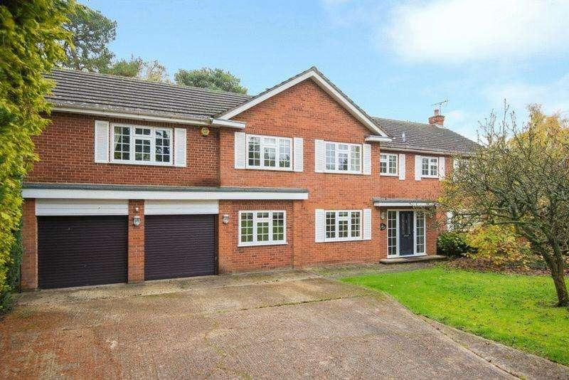5 Bedrooms Detached House for rent in Whichert Close, Knotty Green, Beaconsfield