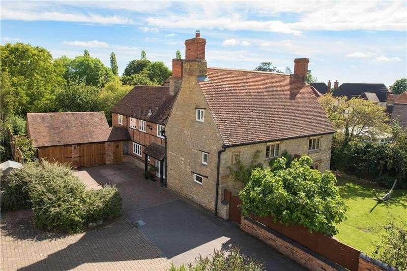 5 Bedrooms Unique Property for sale in Towcester Road, Maids Moreton, Buckinghamshire