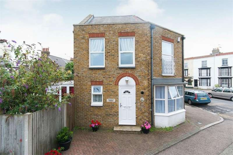 2 Bedrooms End Of Terrace House for sale in Charlotte Square, 21, Margate, Kent