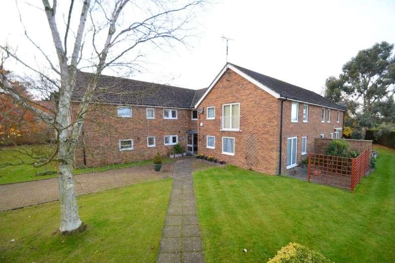 2 Bedrooms Flat for rent in Sorrel Close, Isham, Kettering, NN14