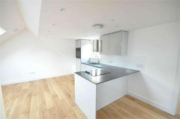 1 Bedroom Flat for sale in Campbell Road, WEYBRIDGE, Surrey