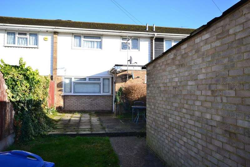 3 Bedrooms Terraced House for rent in Fairview Avenue, STANFORD-LE-HOPE, SS17