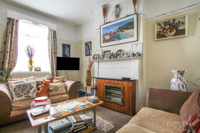 3 Bedrooms Flat for sale in Uxbridge Road, Hayes, UB4