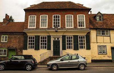 3 Bedrooms House for rent in High Street, West Wycombe, High Wycombe, Buckinghamshire, HP14