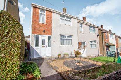 3 Bedrooms Semi Detached House for sale in Cotswold View, Kingswood, Bristol