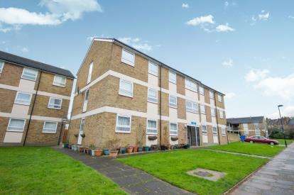 2 Bedrooms Flat for sale in Ivy Road, Southgate, London